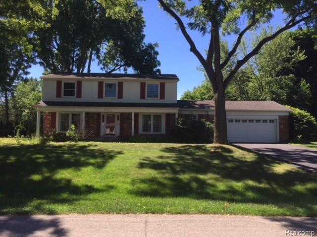 5835 Sutters Lane, Bloomfield Twp, MI 48301 (#218065728) :: RE/MAX Nexus