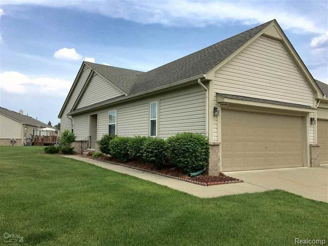 34145 Birchway Circle, Sterling Heights, MI 48312 (#218066256) :: RE/MAX Classic