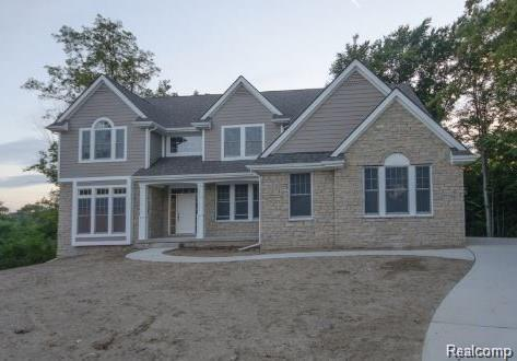 LOT B Woodspur Drive, Commerce Twp, MI 48382 (#218070832) :: The Buckley Jolley Real Estate Team