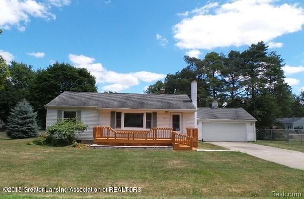 15755 Greenway Drive, Dewitt Twp, MI 48906 (#630000228799) :: Duneske Real Estate Advisors
