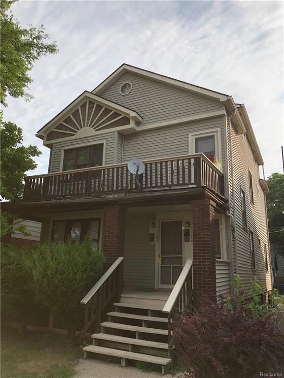1378 Wayburn Street, Grosse Pointe Park, MI 48230 (MLS #218075364) :: The Toth Team