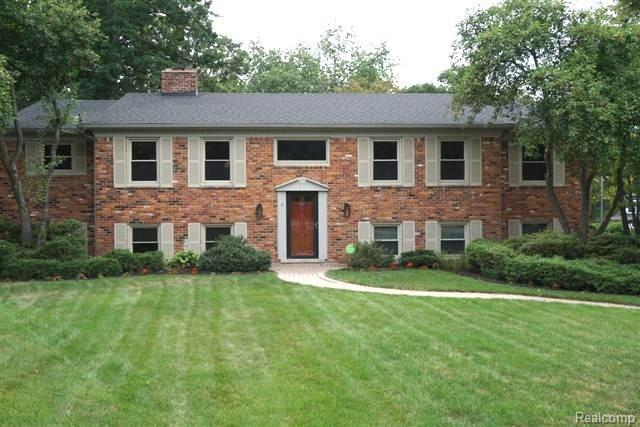 5631 Raven Court, Bloomfield Twp, MI 48301 (#218075874) :: RE/MAX Classic