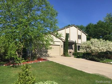 1510 S Sashabaw Road, Brandon Twp, MI 48462 (#218075987) :: RE/MAX Nexus