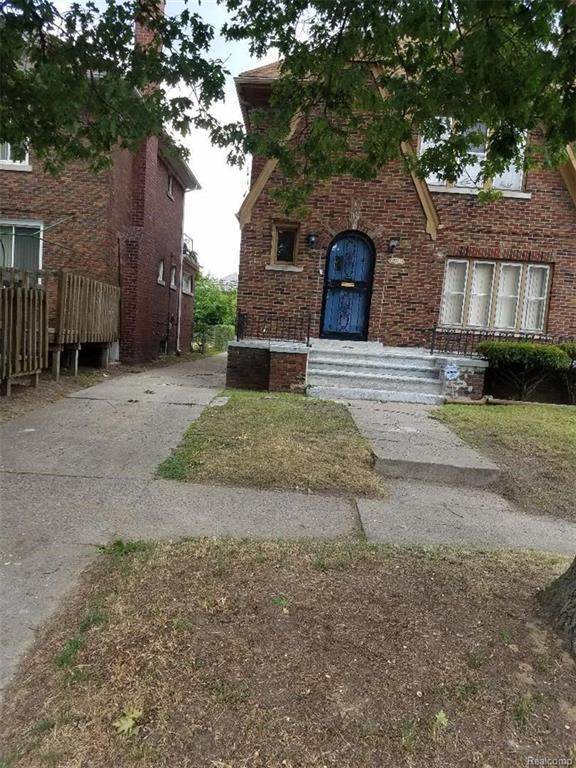 16241 Wildemere Street, Detroit, MI 48221 (#218076435) :: RE/MAX Classic