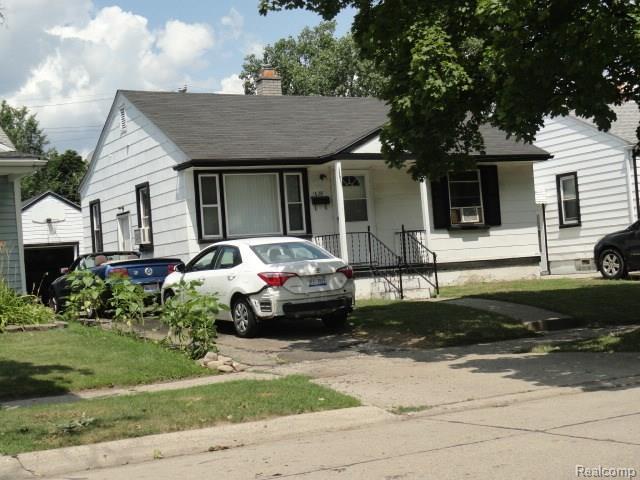 1629 E George Avenue, Hazel Park, MI 48030 (#218076854) :: The Buckley Jolley Real Estate Team