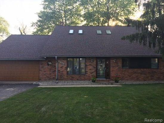 8639 Lakeview Boulevard, Independence Twp, MI 48348 (#218076982) :: RE/MAX Classic