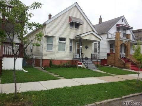 2224 Belmont Street, Hamtramck, MI 48212 (#218077102) :: The Mulvihill Group