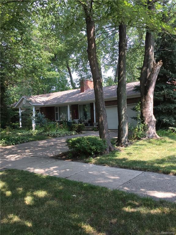 21725 Outer Drive, Dearborn, MI 48124 (#218077881) :: RE/MAX Classic
