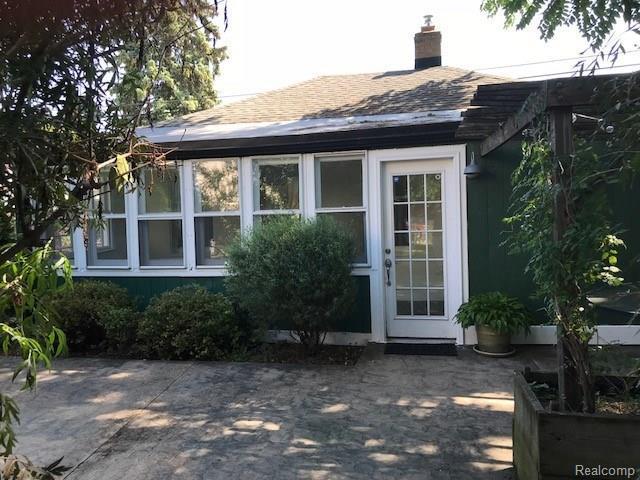 1420 Beaconsfield Avenue, Grosse Pointe Park, MI 48230 (#218078175) :: RE/MAX Classic