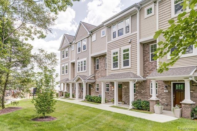 3255 Chambers West #79, Wixom, MI 48393 (#218079933) :: Duneske Real Estate Advisors