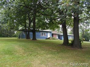 7201 Sashabaw Road, Independence Twp, MI 48348 (MLS #218081601) :: The Toth Team