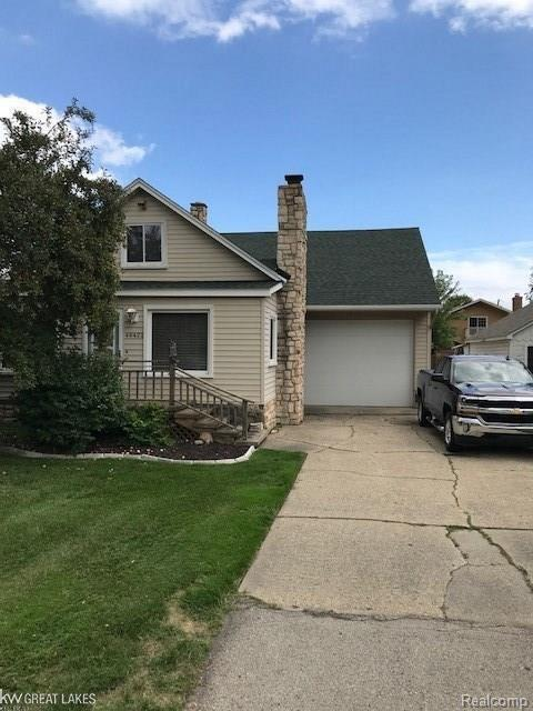 46422 Jefferson, Chesterfield Twp, MI 48047 (MLS #58031358588) :: The Toth Team