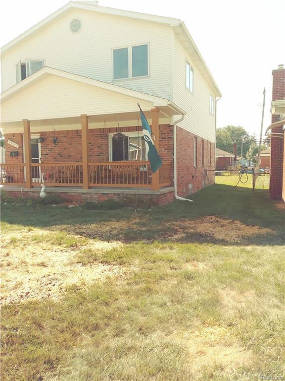 22810 Arcadia Street, Saint Clair Shores, MI 48082 (#218085292) :: RE/MAX Classic