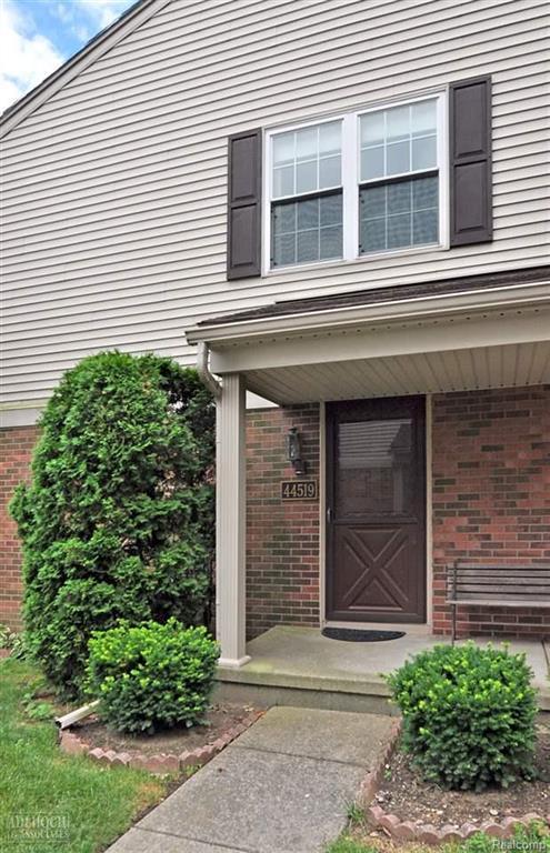 44519 N Bunker Hill Dr #44519, Clinton Twp, MI 48038 (#58031358946) :: Duneske Real Estate Advisors