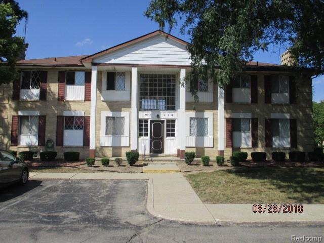 29232 Gloede Drive, Warren, MI 48088 (#218087382) :: Duneske Real Estate Advisors