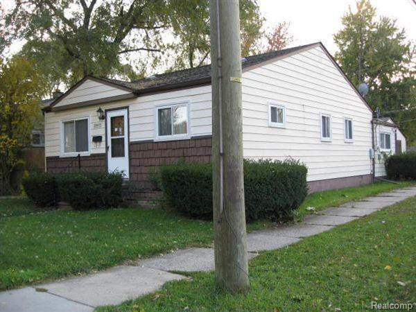 26473 Couzens Avenue, Madison Heights, MI 48071 (MLS #218088895) :: The Toth Team