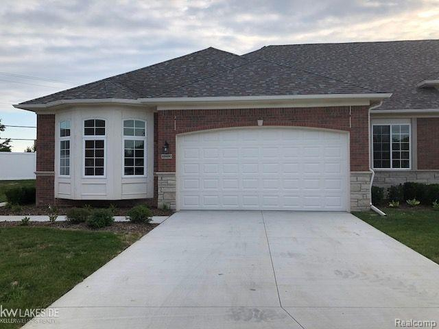 49190 Pond Place Drive Unit # 85 ( For, Shelby Twp, MI 48315 (#58031359780) :: Keller Williams West Bloomfield