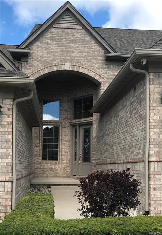 5629 Knob Hill Circle #64, Independence Twp, MI 48348 (#218090160) :: Duneske Real Estate Advisors