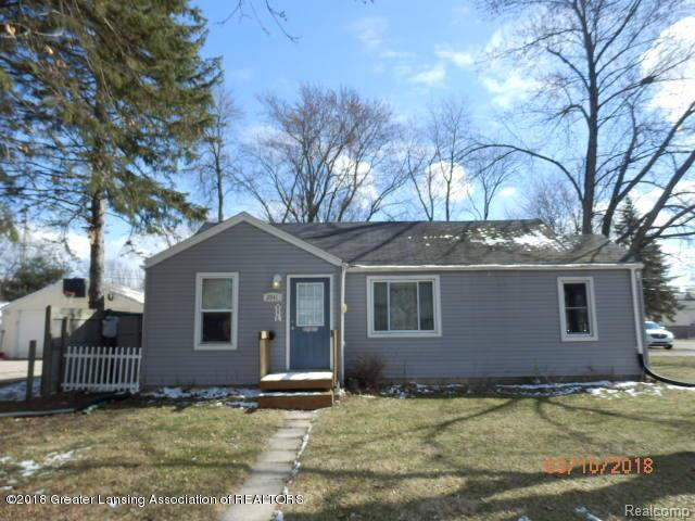 2941 S Deerfield Avenue, Lansing, MI 48911 (#630000230584) :: Duneske Real Estate Advisors