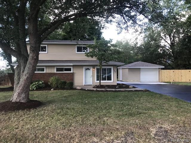 6480 Eastlawn Avenue, Independence Twp, MI 48346 (MLS #218091291) :: The Toth Team