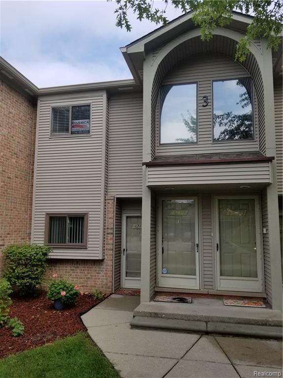 42479 Lilley Pointe Drive, Canton Twp, MI 48187 (#218092137) :: Duneske Real Estate Advisors