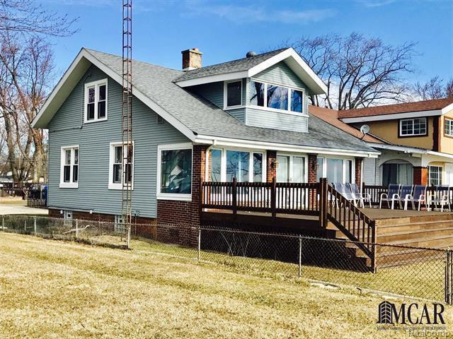 3008 Lakeshore, Frenchtown Twp, MI 48162 (MLS #57031360552) :: The Toth Team