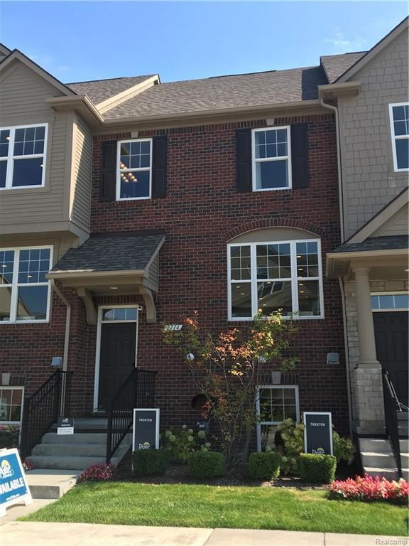 2714 Helmsdale Circle, Rochester Hills, MI 48307 (#218099408) :: RE/MAX Classic