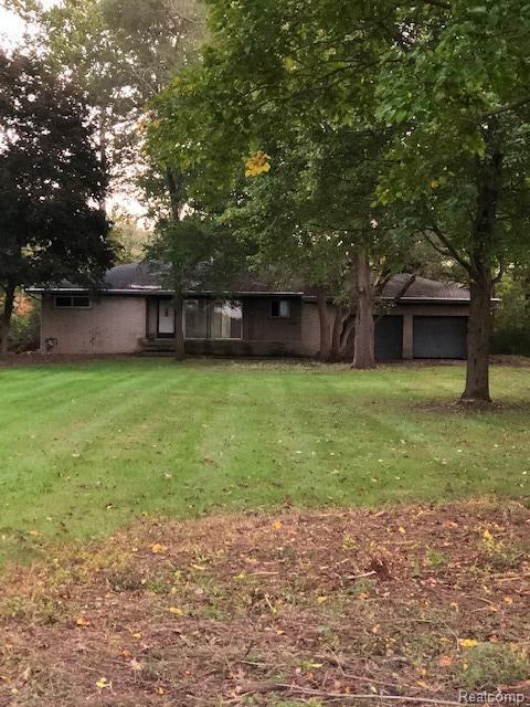 9492 Liss Road, Augusta, MI 48191 (#543260356) :: The Mulvihill Group
