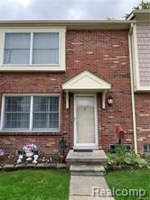 37003 Charter Oaks, Clinton Twp, MI 48036 (#218099901) :: The Buckley Jolley Real Estate Team
