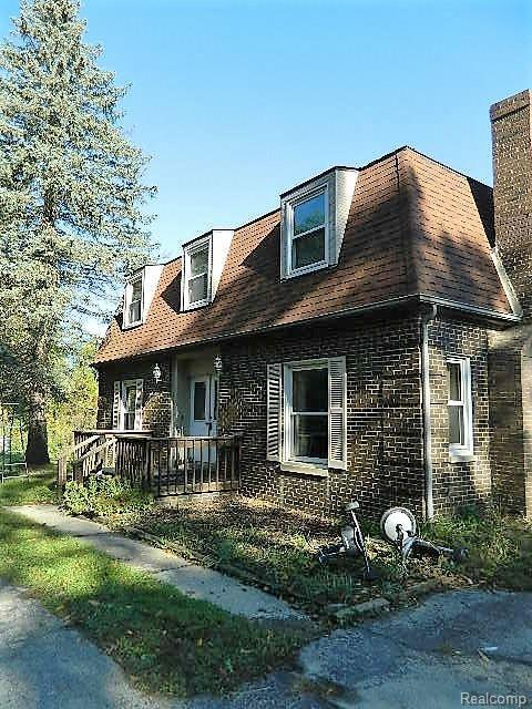 7990 Rattalee Lake Road, Independence Twp, MI 48348 (#218100625) :: RE/MAX Classic