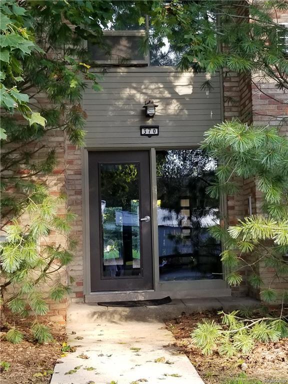 370 Concord Place Unit #4 #15, Bloomfield Twp, MI 48304 (#218100665) :: Keller Williams West Bloomfield
