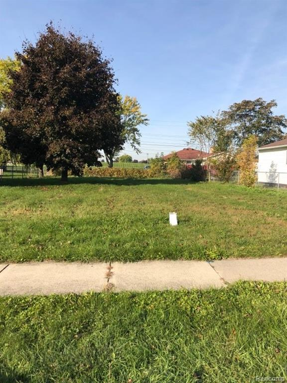 26203 Chippendale Street, Roseville, MI 48066 (#218100953) :: RE/MAX Classic