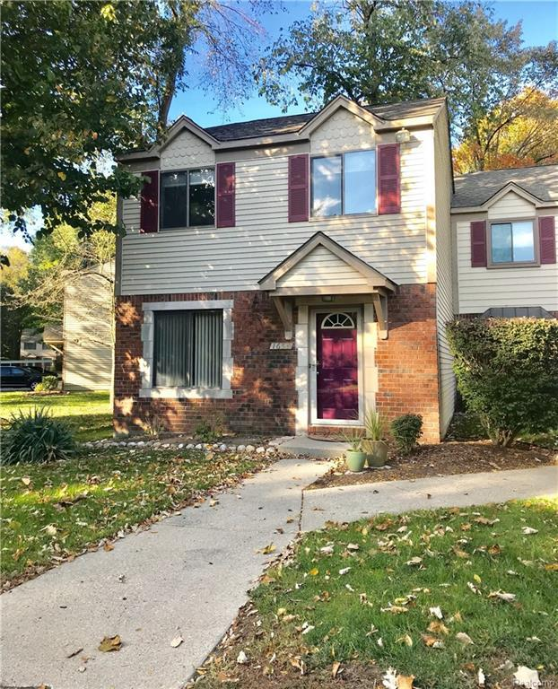 1654 River View Drive, Rochester Hills, MI 48309 (#218101173) :: Duneske Real Estate Advisors