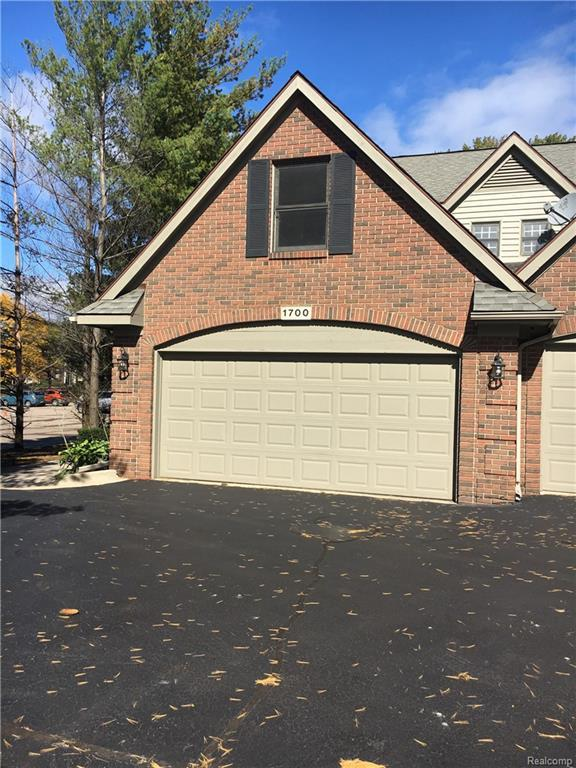 1700 Alyssa Lane #15, Royal Oak, MI 48017 (#218102244) :: Keller Williams West Bloomfield