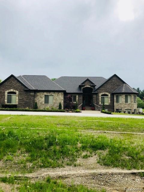 5715 Cusick Lake Drive, Washington Twp, MI 48095 (#218102268) :: Duneske Real Estate Advisors