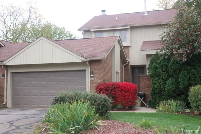 5549 Walnut Circle E, West Bloomfield Twp, MI 48322 (#218102269) :: RE/MAX Classic