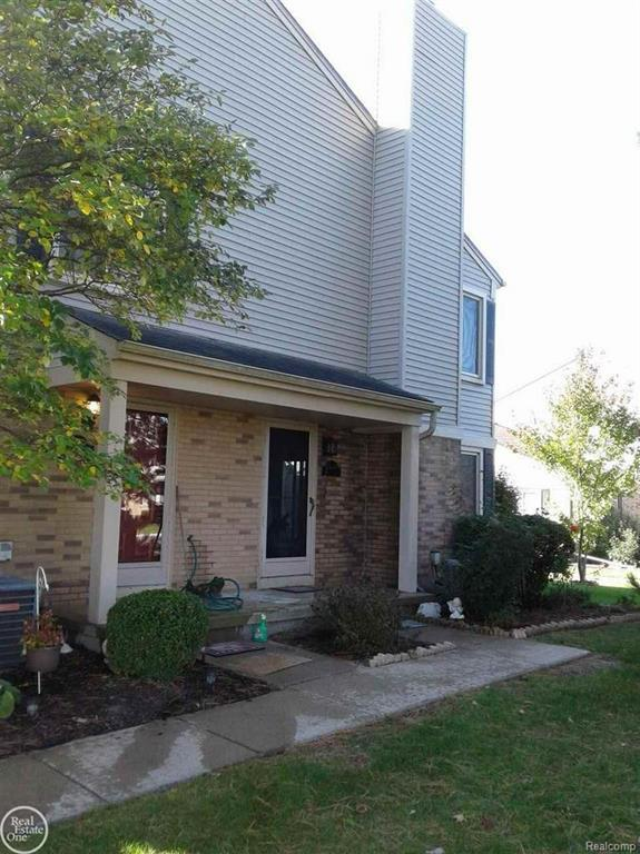 44661 Connecticut, Clinton Twp, MI 48038 (#58031363759) :: Keller Williams West Bloomfield