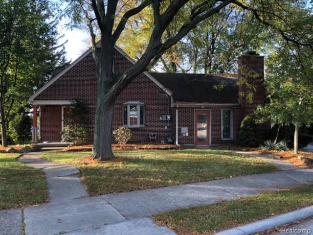 9000 Allen Road, Allen Park, MI 48101 (#218104441) :: Duneske Real Estate Advisors