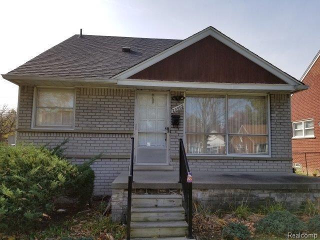 20068 Hunt Club Drive, Harper Woods, MI 48225 (#218105326) :: Duneske Real Estate Advisors