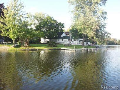 254 Lakeview, Northfield Twp, MI 48189 (MLS #218106079) :: The Toth Team