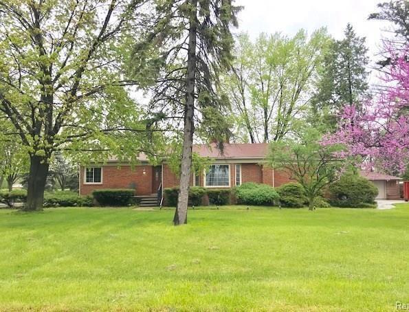 35564 Schoolcraft Road, Livonia, MI 48150 (#218107155) :: Duneske Real Estate Advisors