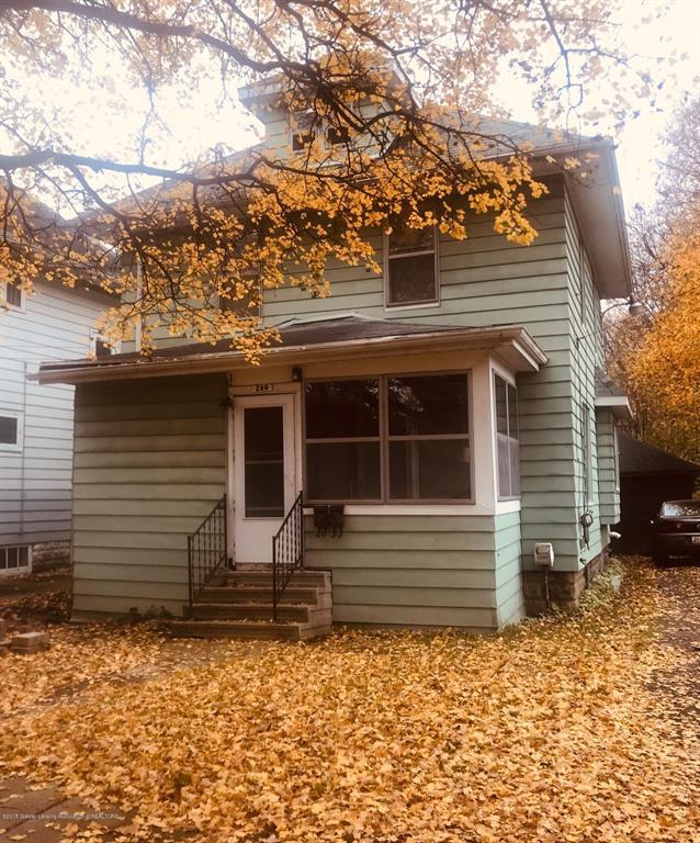 200 S Fairview Avenue, Ingham Twp, MI 48912 (#630000231896) :: Duneske Real Estate Advisors
