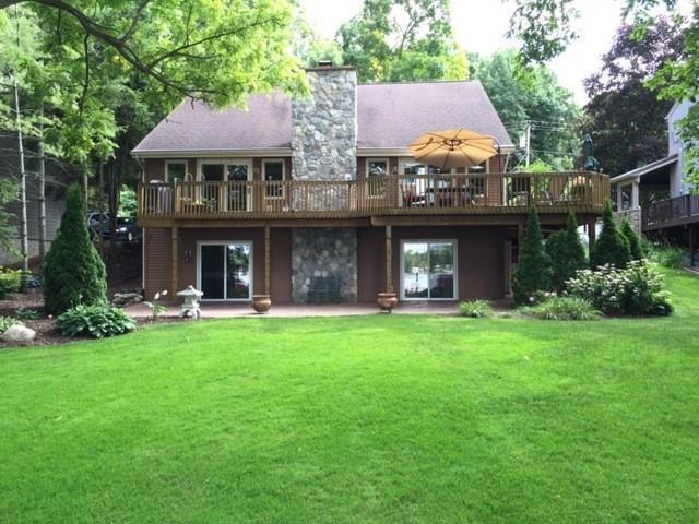 4985 Gallagher Boulevard, Hamburg Twp, MI 48189 (#218119449) :: The Buckley Jolley Real Estate Team