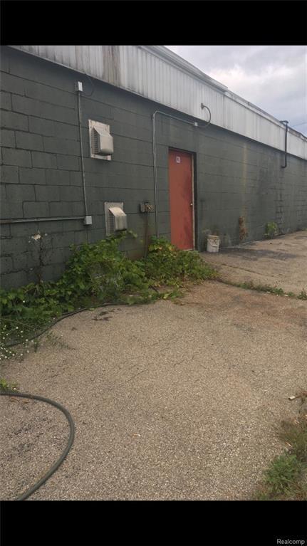 00000 Pontiac Trail, South Lyon, MI 48178 (#219005671) :: Duneske Real Estate Advisors