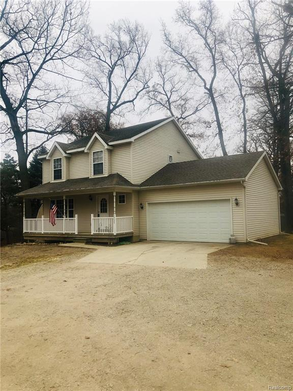 1535 Westwood Dr, Howell, MI 48843 (#219006215) :: The Buckley Jolley Real Estate Team