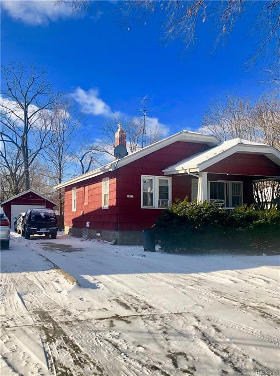 1921 Clement Street, Flint, MI 48504 (#219010564) :: The Buckley Jolley Real Estate Team