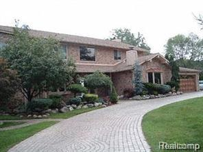 5549 Perrytown Drive, West Bloomfield Twp, MI 48322 (#219012663) :: RE/MAX Nexus