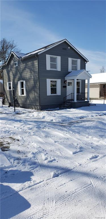 22624 Avon Street, Saint Clair Shores, MI 48082 (#219014713) :: NERG Real Estate Experts