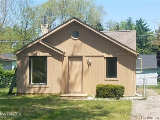 8107 Janis, Shelby Twp, MI 48317 (#219014836) :: RE/MAX Classic