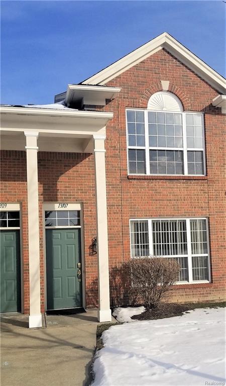 13107 Chesapeake Circle, Commerce Twp, MI 48390 (#219015710) :: RE/MAX Nexus